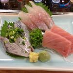 ろばた焼 北海 - 刺身3点盛り 秋刀魚、八角、マグロ