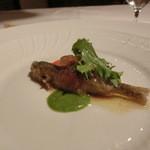 ダ ジュンジーノ - マリネした稚鮎のフリット 香草のソースと茄子のピュレ 相当うまい