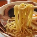 俺のラーメン あっぱれ屋 - 【1回目訪問】こくまろ塩チャーシューメン(麺)