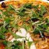 ヤマチョウ - 料理写真:旬の素材とハーブを使ったピザ