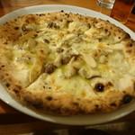 カーヴリシェ - 茸のクリームソースピザ