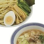 優勝軒 - 料理写真:にん肉つけ麺