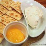Arika - すずらん牛乳のリコッタチーズ レモンジャム