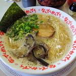 なんでんかんでん - 2014年4月24日(金) ラーメン(すごくこってり&粉落とし)600円