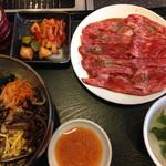 板門店 - ランチ ハーフビビンパ+和牛焼肉セット肉大盛(¥1,500)