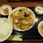 チャイナ厨房 - 八宝菜 \550-