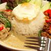 ダオタイ - 料理写真:ガパオ&グリーンカレー