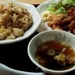 さんちゃん - 料理写真:炒飯500円+唐揚げ350円