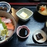 居酒屋 あんじ - 海鮮丼 850円