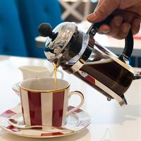 バリスタ厳選のスペシャルティコーヒーをお楽しみください