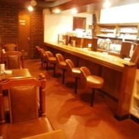 ビッグツリーカフェ - 左側にカウンター席