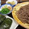 めはり本舗・三軒茶屋 - 料理写真:ざるそば単品600円。めはり寿司セットで900円。