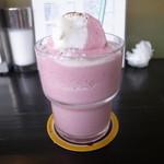 26730716 - イチゴ練乳シェイク