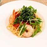 ティダカフェ - 料理写真:ぷりぷりエビと大葉のパスタ
