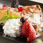 キッチン MaMa - 料理写真:デザート本日のおすすめ!アーモンドタルト