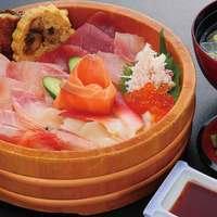 うなぎ料理以外に他の料理やお食事メニューも豊富にご用意。