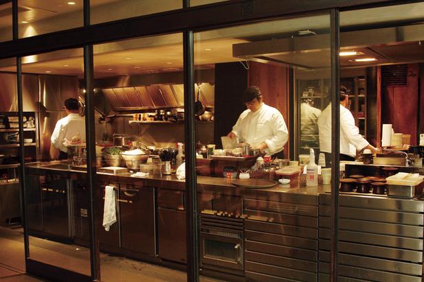 https://tabelog.ssl.k-img.com/restaurant/images/Rvw/26763/26763396.jpg