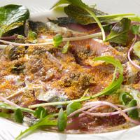 ラ アーニー マリス - シェリービネガーで〆た 南イタリア風 サバのカルパッチョ サルディーニャ産ボッタルガと共に