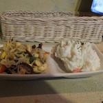 クラフトビアスタンドターコイズ - 小鉢2種盛り