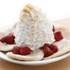 エッグスンシングス - 料理写真:ストロベリーホイップクリームとマカデミアナッツ