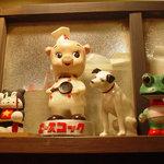 ラーメンヨシベー - 昔懐かしい人形が置いてあります☆