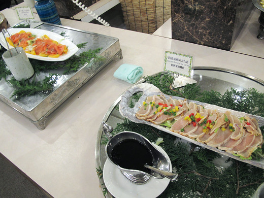 https://tabelog.ssl.k-img.com/restaurant/images/Rvw/27013/27013426.jpg