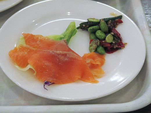 https://tabelog.ssl.k-img.com/restaurant/images/Rvw/27013/27013437.jpg