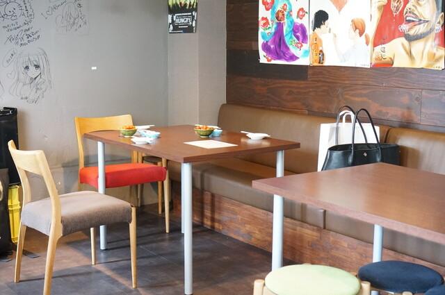 https://tabelog.ssl.k-img.com/restaurant/images/Rvw/27020/640x640_rect_27020476.jpg