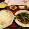 百楽門 - 料理写真:鶏肉とニンニクの芽の炒め物