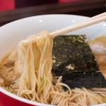 カドヤ食堂 - 1-2)中華そばの麺アップ