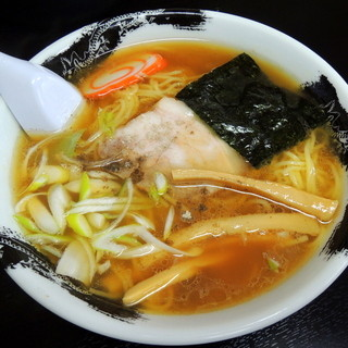 かなやまラーメン - 料理写真:2014年5月4日(日・祝) ラーメン(550円)