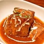ワイのすけ - デミトン(豚肉のデミグラスソース煮) 580円