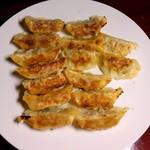 ヨコミゾ - 活菜餃子:半分焼きました図 by ももち
