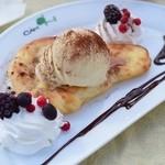 CAM ON - なんちゃってパンケーキ・バニラアイスのっけ