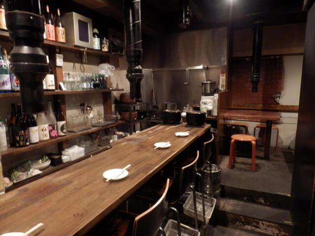 https://tabelog.ssl.k-img.com/restaurant/images/Rvw/27132/640x640_rect_27132714.jpg