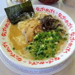 なんでんかんでん - 2014年5月10日(土) ラーメン(粉落とし)600円