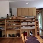 もみの木食堂 - 綺麗で落ち着くウッディな空間