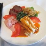 重慶飯店 - 四種前菜の盛り合わせ