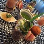 ミツバチ - グリーンアスパラガスの海藻バター焼きと前菜の盛り合わせ