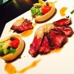 ミツバチ - フォアグラ香る牛肉のグリエ〜〜自家製フォアグラバター添え