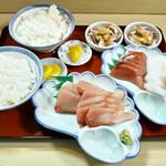 天然魚料理くしもと - 鰤定食&刺し盛り定食