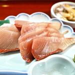 天然魚料理くしもと - 鰤 アップ