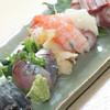 魚介屋 玄徳 - 料理写真:地魚刺身盛り合わせ