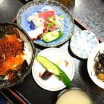 海鮮 まえ浜 - イクラ丼(\1550)適正な価格です(^^;