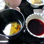 出羽屋 - 夕食(六浄豆腐の吸い物 & ヤマブドウ液)