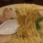 揚子江ラーメン - チャーシューワンタンメン 麺