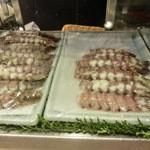 第三春美鮨 - 左小柴で右石狩       実は雄雌の食べ比べ