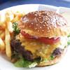 ハーベストムーン - 料理写真:1/2ポンドチーズバーガー