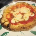 ピッツェリア&トラットリア マーノエマーノ - ピッツァはサイズが選べます