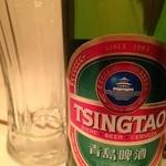老麻火鍋房 - 冷えたグラスと『 青島ビール 』